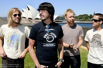 FOO FIGHTERS: Echoes, Silence, Patience and Grace